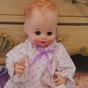 """VTG 1968 """"EFFANBEE"""" VINYL DOLL AND CLOTHES!"""